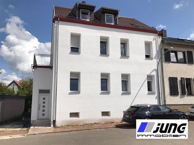 zu vermieten: neu renovierte 3 ZKB-DG Wohnung in St. Ingbert-Rohrbach (Erstbezug)