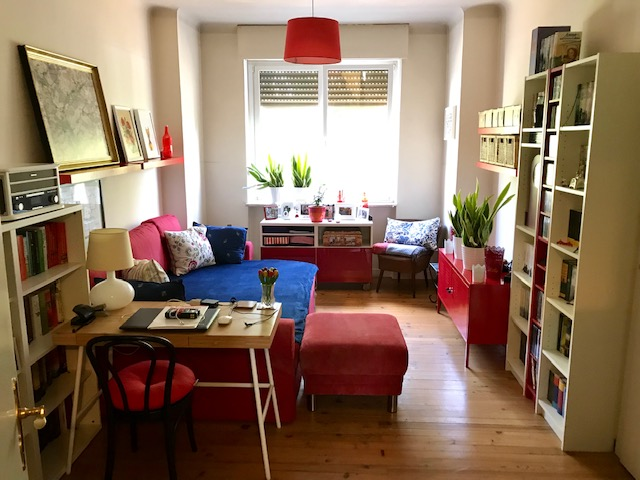 zu vermieten: Schöne, 2 ZKB Wohnung mit Balkon am Hambacher Platz (Altbau)