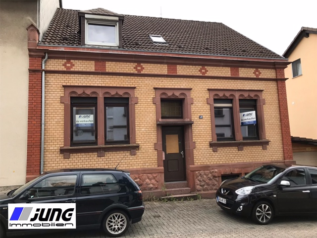 zu verkaufen: Einfamilienhaus in beliebter Wohnlage von St. Ingbert